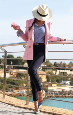 This outfit is casual and fun. *Not crazy about the hat, I'm not a big hat person* Pink Blazer Outfits, Casual Work Outfits, Business Casual Outfits, Professional Outfits, Mode Outfits, Classy Outfits, Stylish Outfits, Fashion Outfits, Womens Fashion