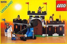Lego 6059 Knight's Stronghold – Black Knights 1990 Best Lego Sets Ever, Lego Vintage, Chateau Lego, Lego Burg, Model Castle, Big Lego, Castle Series, Lego Knights, Lego Clones