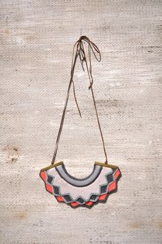 Harlequin knitted necklace - Bright Coral
