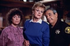 Erin Moran, Angela Lansbury and Tom Bosley in 'Murder She Wrote' Angela Lansbury, Tom Bosley, Erin Moran, Cabot Cove, 80 Tv Shows, 80s Tv, Mystery Series, Favorite Tv Shows, Actors & Actresses