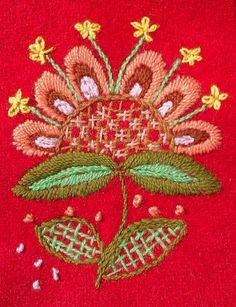 In Zweden ontdekte ik het Yllebroderier, borduren op wol. Als je er mee begint raak je er steeds meer in geïnteresseerd. Ik ben een tij...