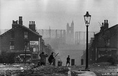 Marc Riboud, Industrial Photography, Urban Photography, Vintage Photography, Magnum Photos, Long Pictures, Funny Pictures, Leeds City, The Blitz