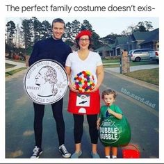 Matching Family Halloween Costumes, Family Costumes For 3, Original Halloween Costumes, Pregnant Halloween Costumes, Group Halloween Costumes, Halloween Party, Halloween 2020, Group Of 3 Costumes, Couple Costumes