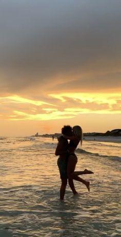 Cute Couples Photos, Cute Couple Pictures, Cute Couples Goals, Beach Pictures, Couple Goals, Couple Photos, Relationship Goals Pictures, Cute Relationships, Boyfriend Goals