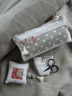 Sewing Caddy, Lavender Bags, Sewing Baskets, Couture Sewing, Fabric Bags, Love Sewing, Zipper Bags, Handmade Bags, Pin Cushions