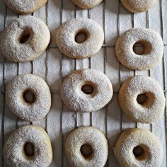 CIAMBELLE FRITTE E AL FORNO SENZA PATATE | Fatto in casa da Benedetta Bomboloni, Donut Recipes, Frittata, Biscotti, Donuts, Anna, Pizza, Desserts, Recipes