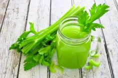 Benefits of Celery Juice. Fresh celery juice is one of the most powerful and healing juices one can drink. Celery juice a day can transform your health . Celery Juice Benefits, Celerie Rave, Juice Diet, Juice Cleanse, Nutrition, Fat Burning Drinks, Vitamin K, Protein Diets, Recipes