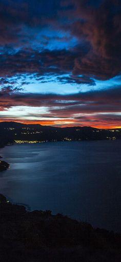 Night sky cloud city iPhone X wallpaper