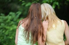 Девушкой домашняя саша грей легко помирилась с подружкой на кровати девушки видео онлайн