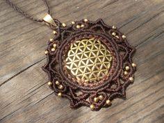 Powerfull Flower of life crimped in this Mandala macrame pendant!