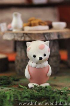 Kifli és levendula: Mazsola, Manócska, Tádé és a tökház Hobbit, Minion, Teddy Bear, Animals, Home Decor, Animales, Decoration Home, Animaux, Room Decor