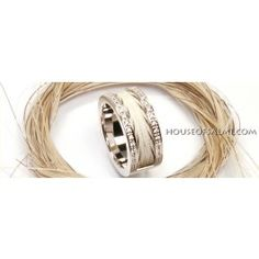 Simple House of Salmi Horsehair Ring