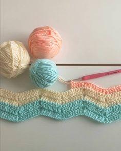 """5,612 Beğenme, 122 Yorum - Instagram'da Gülay Pervelı DEĞİRMENCİ (@gulay_degirmenci): """"Ne kadar yarım iş varsa çıkardım🙈hepsini sepetlere öncelik sırasına göre yerleştirdim😅youtube…"""" 242, Knitted Hats, Crochet Earrings, Blanket, Knitting, Instagram, Youtube, Dots, Tricot"""