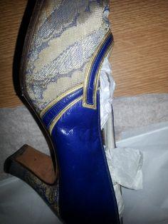 Womens elecnic Blue leather and textile court shoe 1930s