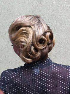 beautiful retro wedding hair