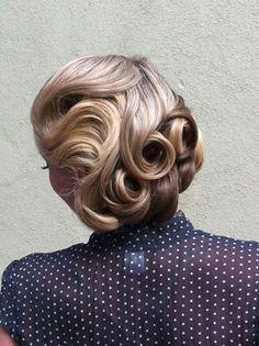 beautiful retro wedding hair