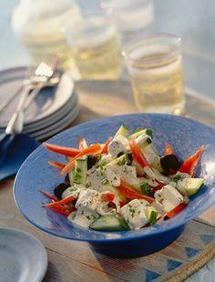 Görög saláta bazsalikommal
