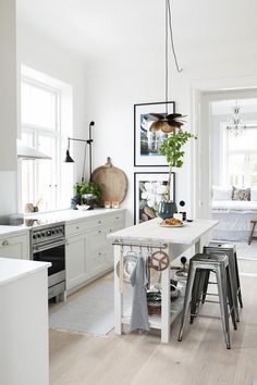 Kitchen Dining, Dining Room, Beautiful Interior Design, Nordic Design, Modern, Table, Inspiration, Furniture, Kitchens