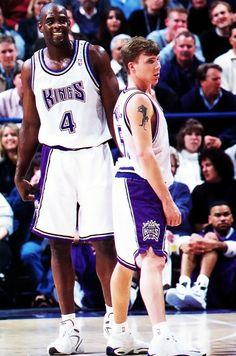 Chris Webber and Jason Williams Basketball Legends, Sports Basketball, Basketball Players, Inside The Nba, Chris Webber, Jason White, Basketball Photography, Basketball Pictures, Basketball