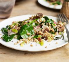 Warm grain salad with bacon, leeks & spinach