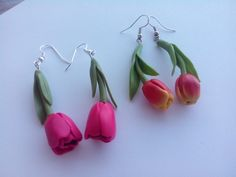 Polymer clay Tulip earrings by Manon van Kempen