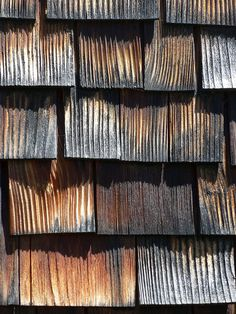 Peter Zumthor the Church San Benedetg, Detail Architecture, Timber Architecture, Ancient Architecture, Sustainable Architecture, Landscape Architecture, Wabi Sabi, Architectural Materials, Timber Cladding, Textures Patterns