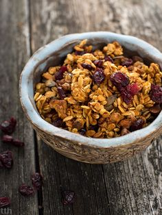 Lemon granola with cranberries (gluten free) Gluten Free Cookies, Granola Bars, Muesli, Cranberries, Breakfast Ideas, Healthy Foods, Acai Bowl, Muffins, Oatmeal