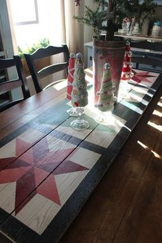 Tis the season to gather family and friends around our tables, so I thought I would add my favorite barn quilt designs to my table scapes t. Barn Quilt Designs, Barn Quilt Patterns, Quilting Designs, Rustic Wood Crafts, Primitive Wood Crafts, Primitive Signs, Christmas Wood Crafts, Christmas Signs Wood, Christmas Tables