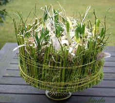 bloemschikken lente - taart lente als bloemstuk met bollen maken - online workshop bloemschikken lente en voorjaar