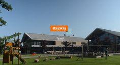 Dit moderne hostel is gelegen midden op het grootste eiland van Nederland: Texel. Hierdoor is het de perfecte uitvalsbasis om dit mooie eiland te ontdekken. Fiets langs de kust naar de iconische vuurtoren of laat je verrassen door alle lokale producten en activiteiten die het eiland te bieden heeft! Heb jij al eens schapen geschoren?  Stayokay hostel Texel This modern hostel is located in the centre of the Netherlands' largest island: Texel. This makes it the perfect starting point to dis...