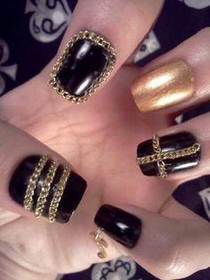 3D nail art.... thumb nail is cute