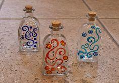 Botella pintada | Como pez en el agua. Tienda – taller de artesanía.