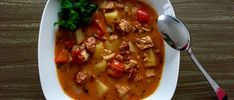 Chłopski garnek pyszna zupa Wok, Cheeseburger Chowder, Thai Red Curry, Stew, Chili, Food And Drink, Ethnic Recipes, Fondue, Poland
