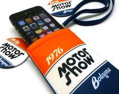 #phone-holder #motorshow2012