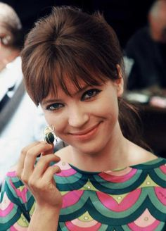 Anna Karina, 1960s. I'd give my left tit for a dress with this print.