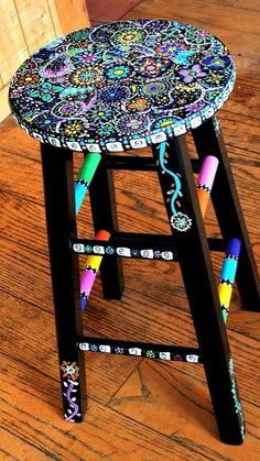 Your Hands Dirty With DIY Painting Crafts And Ideas Crafty finds for your inspiration! Hand Painted Stools, Hand Painted Furniture, Funky Furniture, Furniture Projects, Repurposed Furniture, Furniture Plans, Whimsical Painted Furniture, Painted Teacher Stool, Teacher Stools