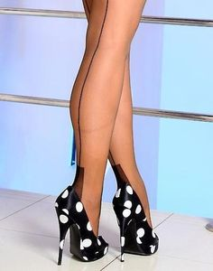 lovely dotted shoes :)