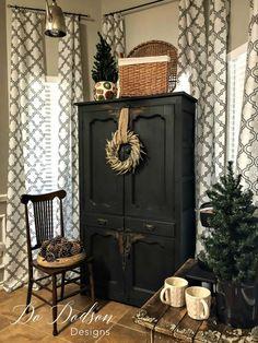 Mini Wreaths on primitive rustic furniture. #wreath #homedecor #decorating #DIY #design