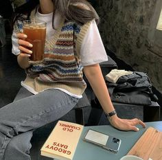 Discover recipes, home ideas, style inspiration and other ideas to try. Indie Outfits, Retro Outfits, Vintage Outfits, Cool Outfits, Casual Outfits, Fashion Outfits, Fashion Ideas, Hijab Casual, Fashion Tips