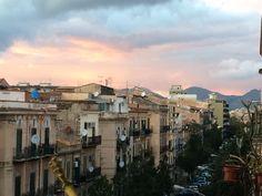 Via Re Federico a Palermo, dal balcone di casa