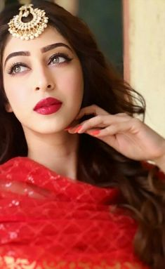 Indian Makeup Looks, Beach Party Outfits, Sonarika Bhadoria, Tassel Earing, Good Poses, Indian Gowns Dresses, Princess Girl, Woman Beach, Indian Celebrities
