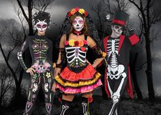 Check out our Day of the Dead costume ideas for spooky yet elegant fancy dress that's perfect for Halloween or Dia de los Muertos!