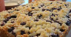 Mennonite Girls Can Cook: Quick Blueberry Streusel (Platz) - Flashback Friday Blueberry Desserts, Blueberry Cake, Köstliche Desserts, Delicious Desserts, Blueberry Season, Frozen Blueberry Recipes, Blueberry Streusel Muffins, Amish Recipes, Baking Recipes