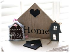 It's all about Hearts ♡ Mini Houses, Small Houses, Little Houses, Heart Decorations, Christmas Decorations, Wooden Hearts, Driftwood, Crafts, Home Decor
