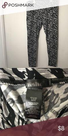 Fleece lined leggings Preowned- Shosho fleece lined leggings. No trades but open to reasonable offer Shosho Pants Leggings