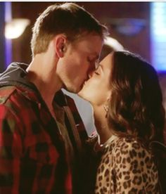 Zade ❤, Hart of Dixie Hart Of Dixie Wade, Zoe And Wade, Zoe Hart, Movie Couples, Famous Couples, Best Series, Tv Series, Wade Kinsella, Islands In The Stream