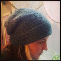 Ravelry: Straight Edge Slouch pattern by Lisa Whiting a cute free pattern