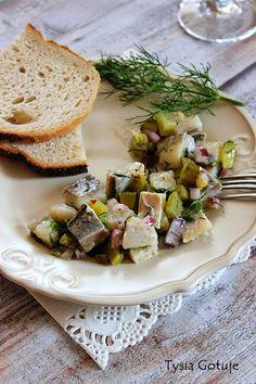 Przepisy na śledzie (14 pomysłów) | Tysia Gotuje blog kulinarny Sprouts, Camembert Cheese, Potato Salad, Potatoes, Fish, Vegetables, Ethnic Recipes, Blog, Potato