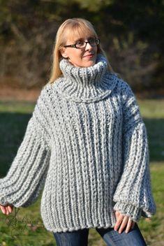 Pull en laine en laine en jersey trapu fait main à la main | Etsy Gros Pull Long, Pull Mohair, Jumper, Wool Sweaters, Chunky Sweaters, Hand Knitting, Turtle Neck, Hands, Etsy