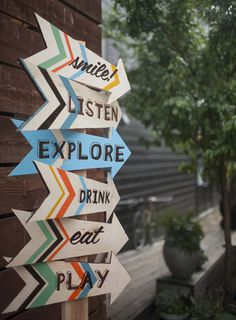 Love these hand painted party direction arrows…
